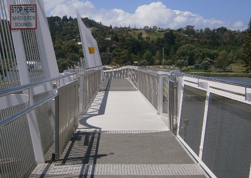 Waiarohia Stream Footbridge