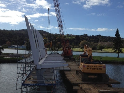 Waiarohia Stream Footbridge – Officially named Kotuitui Whitinga